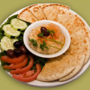 hummus and pita appetizer